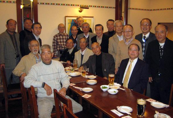大学S43年卒 工学部第一部応用理化学科クラス会  今回は高知と大阪からの出席者も含め,29人の